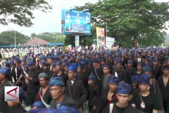 Ribuan warga Baduy turun gunung rayakan Seba