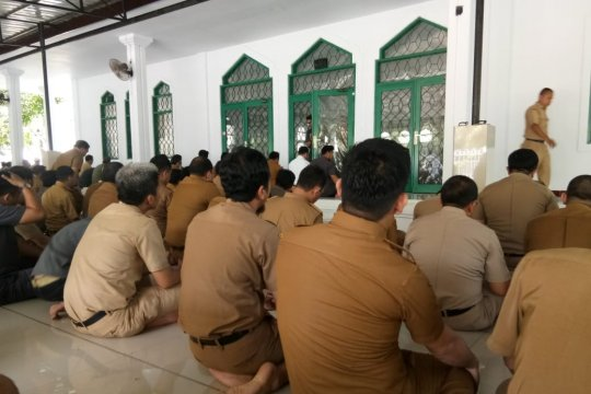 Pemprov Sulsel bersih-bersih masjid sambut Ramadhan