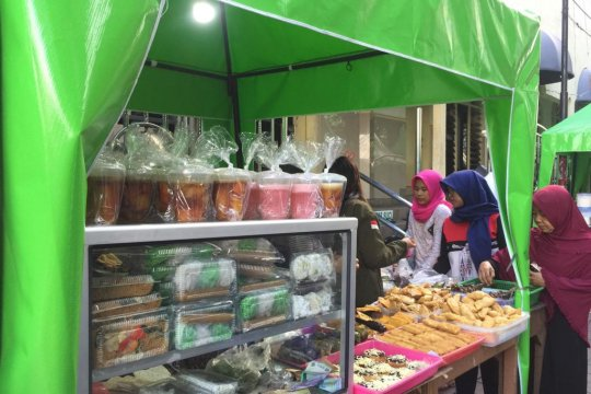 Dinkes Bangka Barat periksa takjil bazar Ramadhan