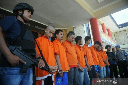 Belasan tahanan kabur dari Polresta Palembang ditangkap kembali