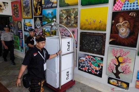Rapat pleno rekapitulasi suara kota Denpasar