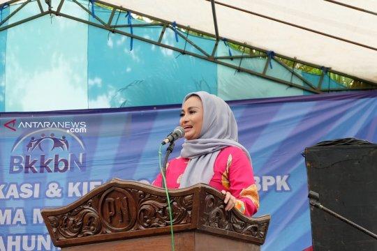 Caleg DPR RI Lucy Kurniasari pertanyakan hasil survei SCG