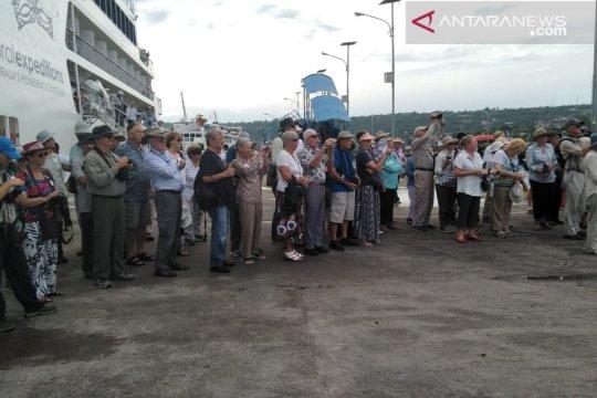106 Wisman kunjungi Baubau dengan kapal pesiar