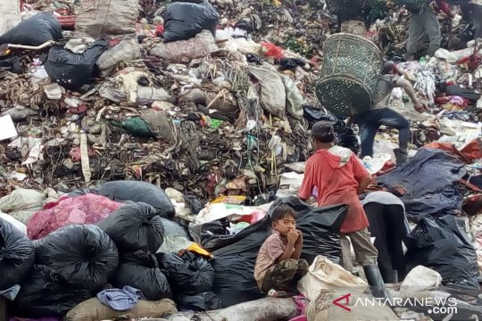 Survei : Dua juta anak terancam miskin jika bansos dihentikan