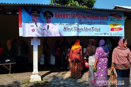 Operasi pasar murah Ramadhan  diminati warga Kediri