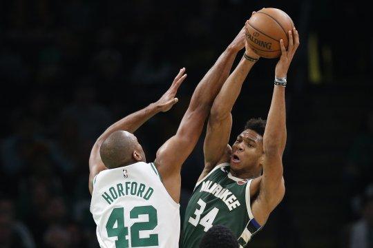 Bucks kini memimpin 3-1 atas Celtics