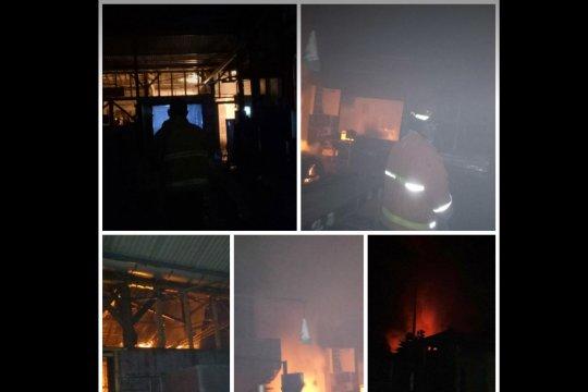 Kebakaran pabrik mi Tulungagung berasal dari tungku penggorengan