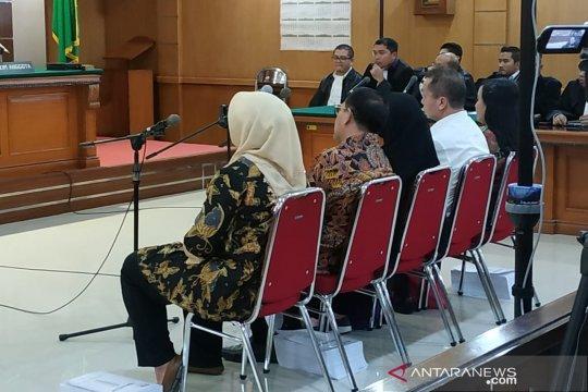 Neneng dituntut 7,5 tahun penjara karena suap Meikarta