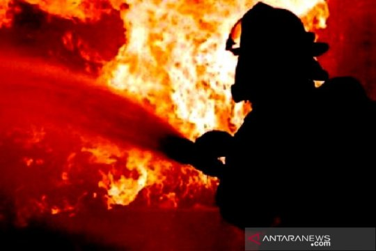 Kebakaran rumah tinggal di Kampung Makassar Jakarta Timur pagi ini