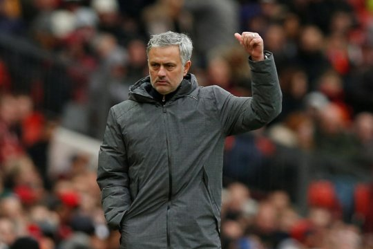 Sudah punya incaran lain, Mourinho tolak Lyon