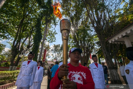 Obor Paskah Nasional tiba di Palu