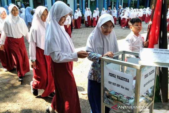 Donasi untuk Palestina, pelajar di Semarang gelar aksi solidaritas