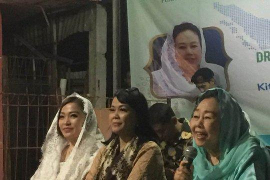 Ibu Sinta Nuriyah Wahid sahur bersama di Rawamangun Jakarta Timur