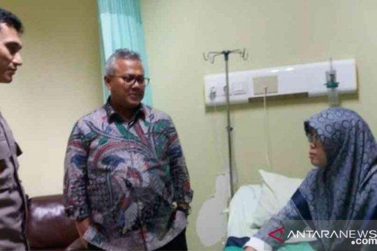 Ketua KPU RI jenguk anggotanya di Bekasi