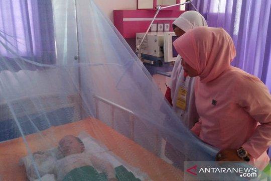Bayi penderita infeksi otak butuh bantuan berobat