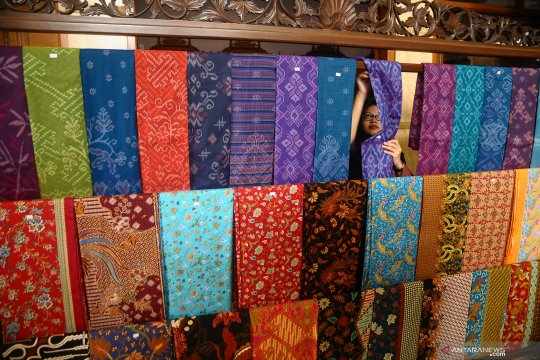 Anies Baswedan: Pameran tekstil ikat dunia tegaskan identitas bangsa