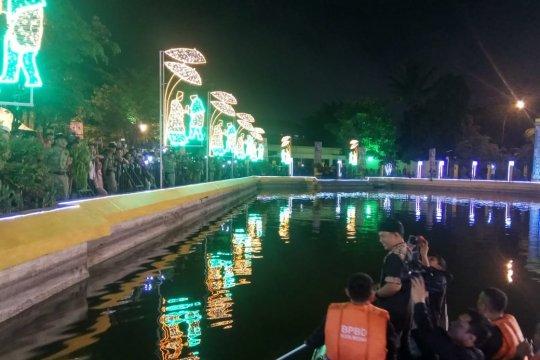 Wali Band naik perahu karet hibur warga Medan