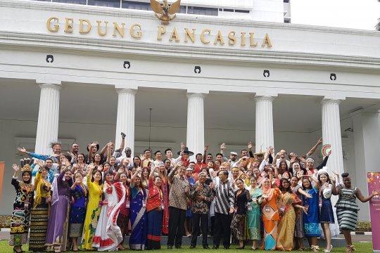 Puluhan pemuda berbagai negara pelajari budaya Indonesia
