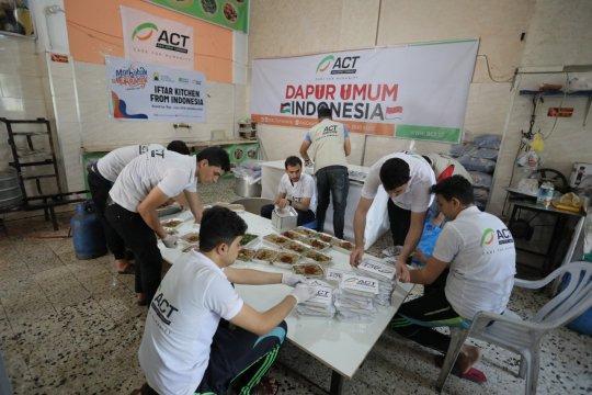 ACT bagikan paket iftar untuk ratusan anak di Gaza