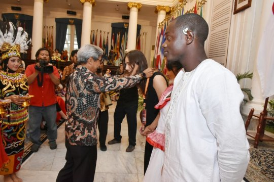 Wamenlu perkenalkan Pancasila kepada pemuda berbagai negara