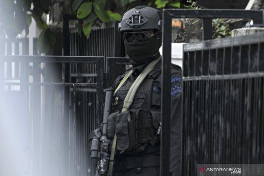 Densus 88 tangkap warga Tanah Datar diduga terlibat aksi teror.