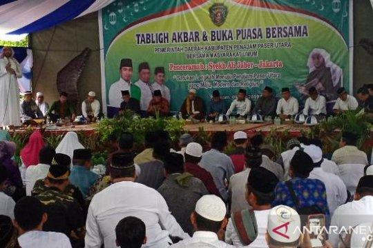 Syekh Ali Jaber ceramah di Kediaman Bupati Penajam