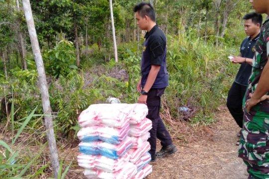 Satgas Pamtas amankan 228 kilogram gula pasir selundupan di perbatasan