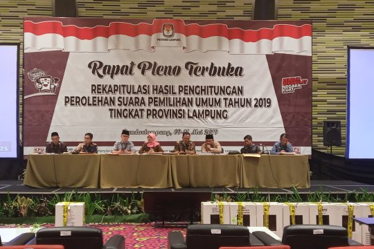 Jokowi - Ma'ruf menang di Pesisir Barat