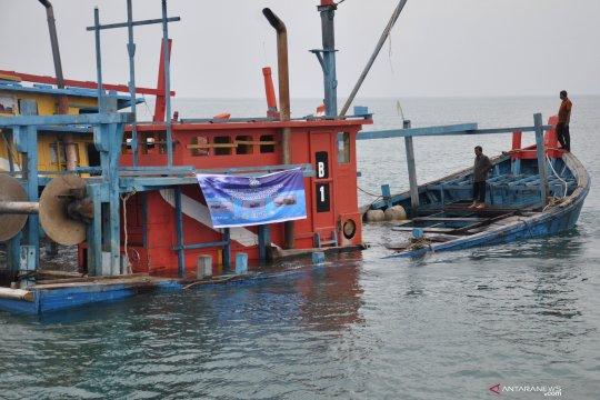 """Susi Pudjiastuti incar pemilik modal kapal """"illegal fishing"""""""