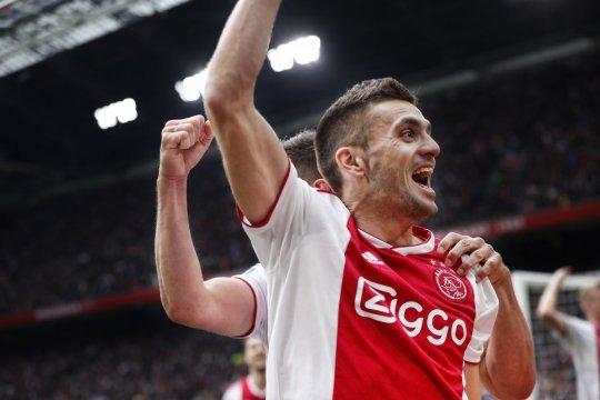 Ajax di ambang juara usai tundukkan Utrecht