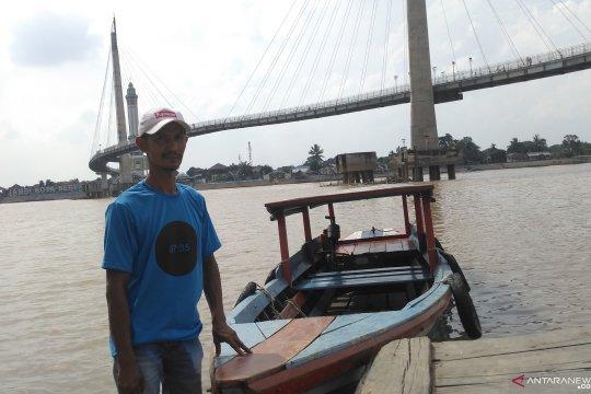 Jasa penyeberangan perahu di Jambi menurun saat puasa