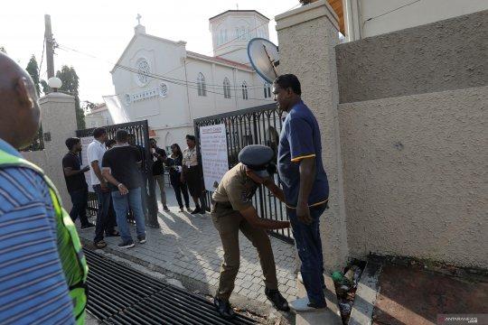 Mantan sekretaris pertahanan, kepala polisi Sri Lanka kembali ditahan