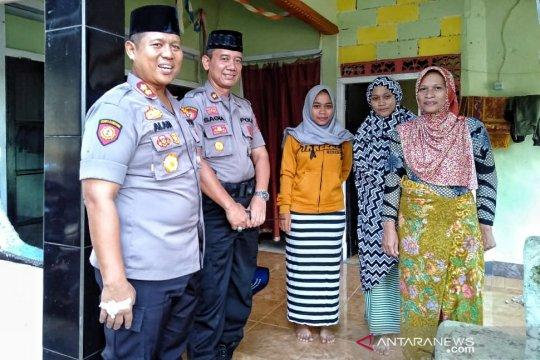Kapolres Mataram berikan santunan keluarga petugas KPPS meninggal