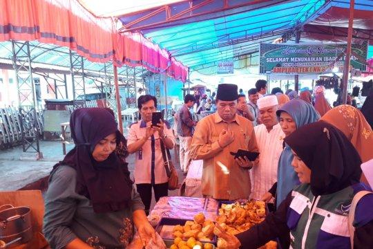 BBPOM uji sampel makanan dan minuman Pasar Pabukoan Solok