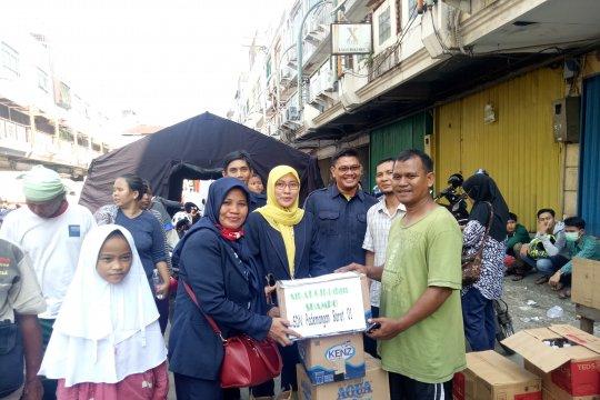 Siswa SD turut bantu korban kebakaran Kampung Bandan