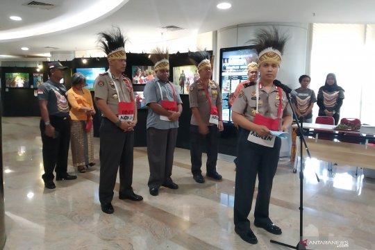 Polri gelar pameran foto Binmas Noken rangkul warga Papua