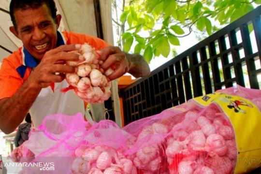 Bulog tambah stok 1,5 ton bawang merah dari petani Sabu Raijua