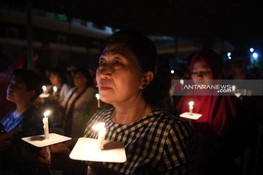 Tokoh lintas agama berdoa bersama peringati bom Surabaya