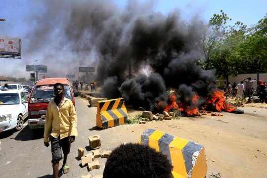 Satu petugas, tiga demonstran di Khartoum meninggal dalam bentrokan