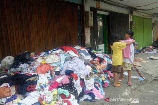 Pengungsi Kampung Bandan kurang bantuan pakaian dalam