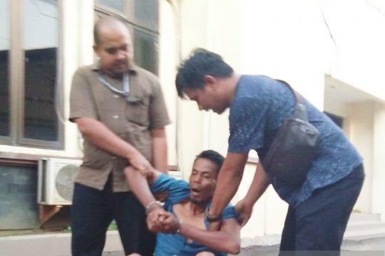 Polisi yakini motif pembunuhan istri dan dua anak tiri karena harta