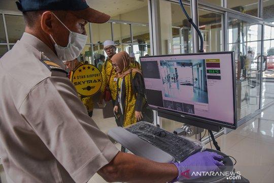 Bengkalis periksa penumpang di pelabuhan antisipasi cacar monyet