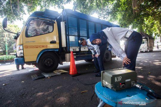 Razia angkutan barang dan penumpang