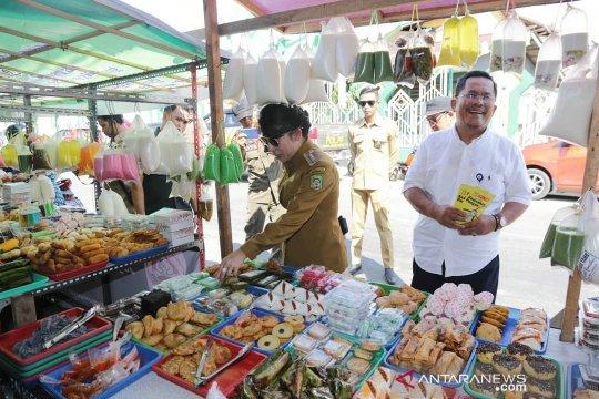 Aman, makanan di Pasar Juadah Singkawang diawasi