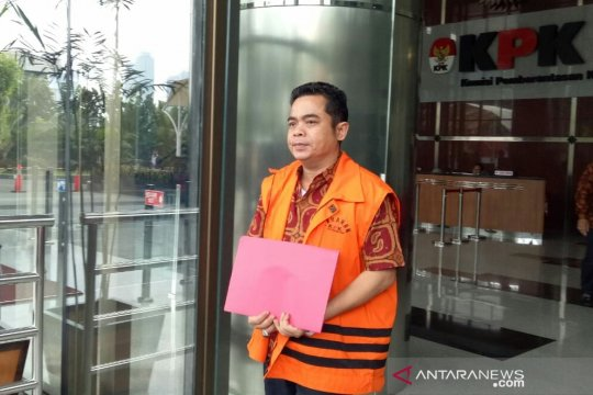 KPK perpanjang penahanan tiga anggota DPRD Lampung Tengah kasus suap