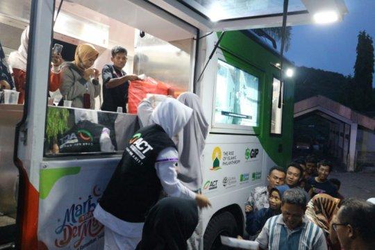 ACT DIY bagikan ratusan paket makanan untuk pemulung TPST Piyungan