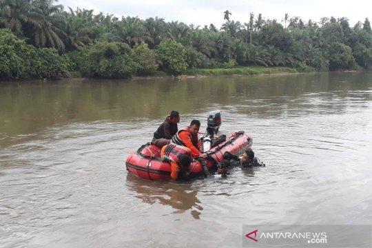 Tim SAR cari pelajar hanyut di Sungai Rokan