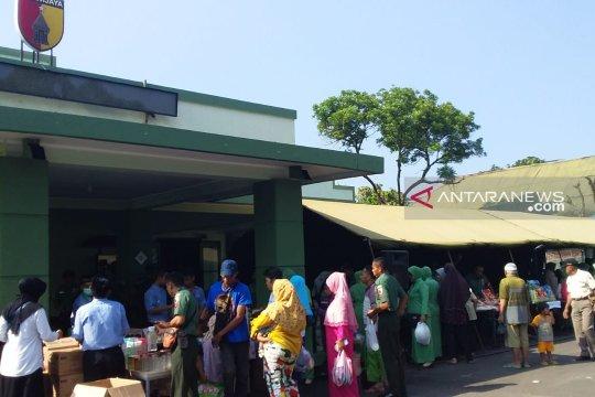"Pasar murah Ramadhan Kodim 0824 Jember  ""diserbu"" warga"