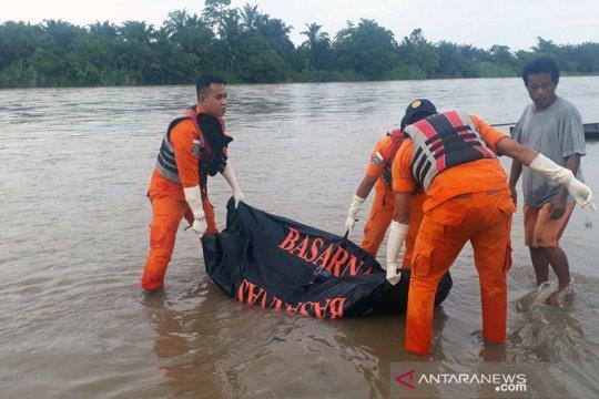 Pelajar yang hanyut di Sungai Rokan ditemukan tim SAR gabungan