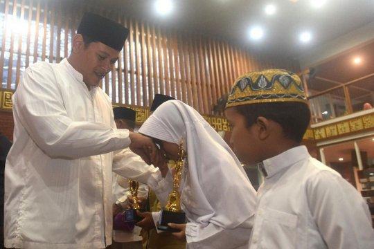 Wali Kota Kediri ajak generasi muda senang kunjungi masjid